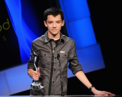 Asa Butterfield Accepts Breakthrough Award at Young Hollywood Awards