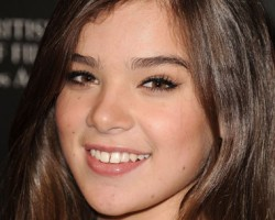 Happy Birthday Hailee Steinfeld (Petra)