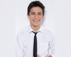 Starry Mag Talks to Aramis Knight