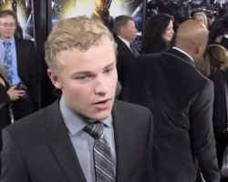 VIDEO: 'Ender's Game' Cast Member Talk Favorite Scenes