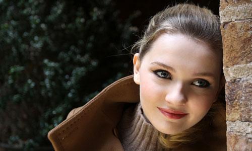 Abigail-Breslin-Profile