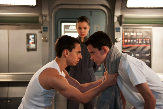 New Stills and Behind-the-Scenes Images from 'Ender's Game ...
