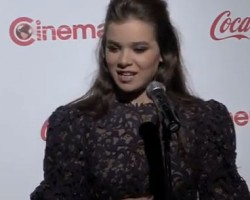 Hailee Steinfeld Thinks Fans of 'Ender's Game' Will be Proud of the Movie