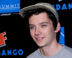 PHOTOS: Asa, Hailee, and Aramis at Summit's SDCC Party